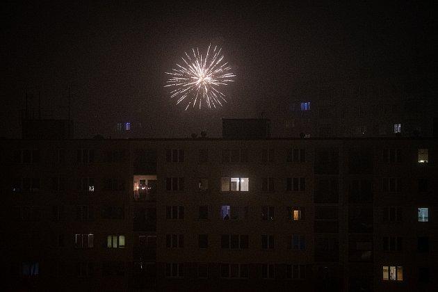 Oslavy nového roku na sídlišti Dubina, 31.prosince 2020vOstravě.