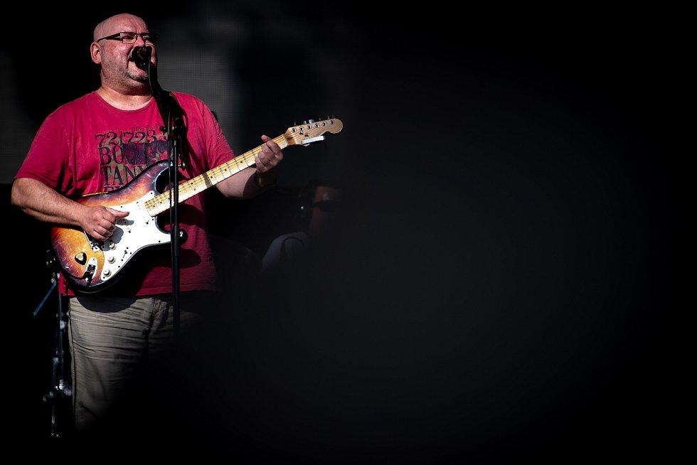 Hudební festival Colours of Ostrava 2019 v Dolní oblasti Vítkovice, 17. července 2019 v Ostravě. Na snímku kapela Buty.