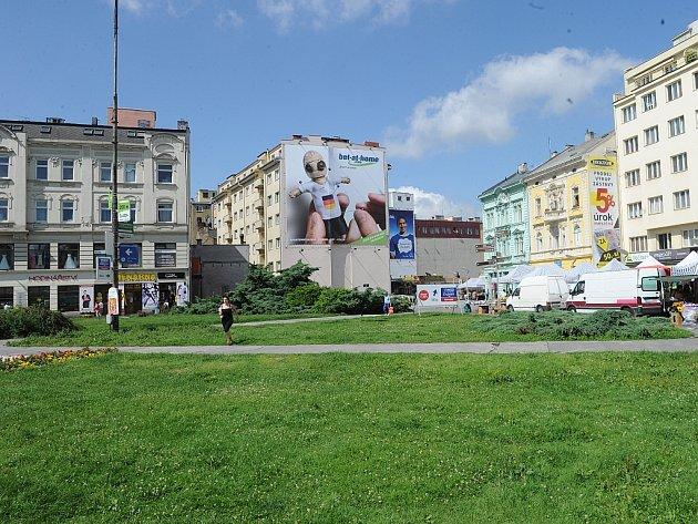 Masarykovo náměstí má vymezené plochy, kde se ještě může stavět. Pro realizace je ale potřeba vybudovat dopravní přístupnost z podzemí včetně parkování pro veřejnost.