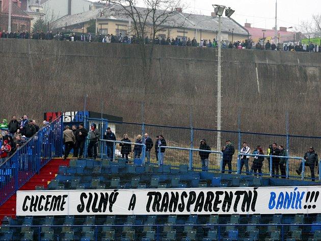 Fanoušci Baníku dál bojují proti vedení klubu.