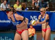 Turnaj Světové série Ostrava Beach Open, 21. června 2018, na snímku vpravo Kristýna Kolocová, vpravo Michala Kvapilová