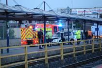 Vážná nehoda, která se stala v neděli kolem čtvrté hodiny ranní u zastávek u Dolní Oblasti Vítkovic.