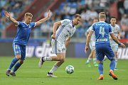 Utkání 28. kolo první fotbalové ligy FC Baník Ostrava - FC Sloban Liberec, 12. května v Ostravě. (střed) Tomáš Poznar a (vlevo) Havelka Filip.