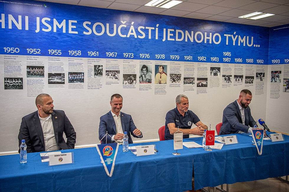 Tiskové konferenci klubu HC Vítkovice Ridera před novou extraligovou sezonou, 3. září 2020 v Ostravě.