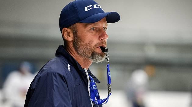 Hokejisté Vítkovic zahájili přípravu na ledě před novým ročníkem extraligy, 29. července 2019 v Ostravě. Na snímku Jakub Petr.