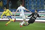 Utkání 23. kola první fotbalové ligy: Baník Ostrava - Fastav Zlín, 1. března 2019 v Ostravě. Na snímku (zleva) Hronek Petr, Lukáš Pazdera a Jan Laštůvka.