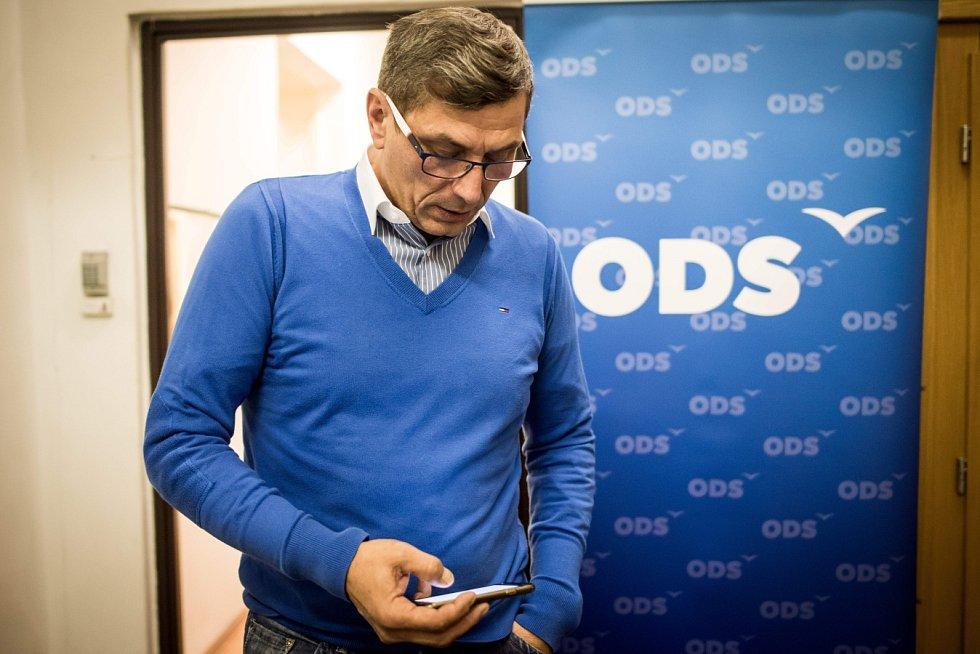Volební štáb ODS, říjen 2016. Na snímku postupující kandidát na senátora Zdeněk Nytra.