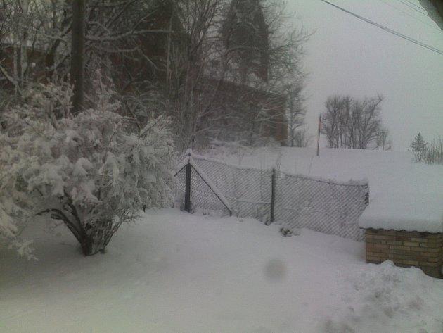 31. března 2013, Boží hod velikonoční, Stonava - během deseti minut tipuje autor, že jim napadlo dalších 30cm nového sněhu