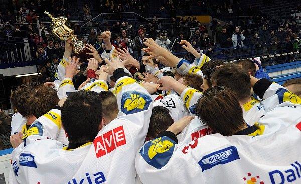 HC VÍTKOVICE STEEL MISTŘI 2013.Velkého úspěchu dosáhli junioři Vítkovic, kteří podruhé vhistorii vyhráli extraligu.