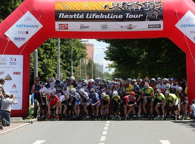 Na Hlavní třídě v Porubě se konala Nestlé LifeInLine Tour 2009. Zajezdit si sem přijeli rekreační sportovci i světoví borci.
