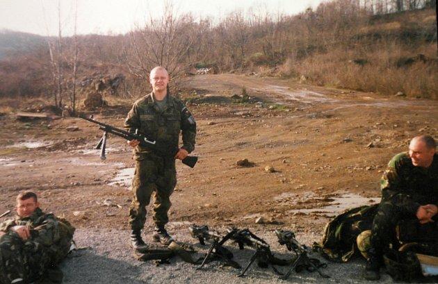 Kosovo, vrámci mírových jednotek sbritskými vojáky.