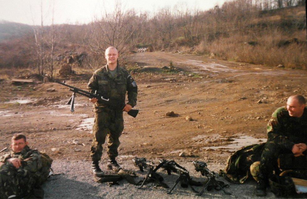 Kosovo, v rámci mírových jednotek s britskými vojáky.
