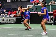 Utkání kvalifikace Fedcupového poháru Česká republika - Rumunsko, dvouhra, 10. února 2019 v Ostravě. Irina-Camelia Beguová a Monica Niculescuová proti Barbora Krejčíková a Kateřina Siniaková.