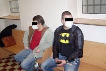 Otec Petr B. (vlevo) i jeho syn Ondřej uzavřeli se státní zástupkyní dohodu, díky které unikli vězení.