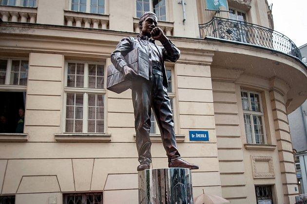 Odhalení sochy Karla Kryla (dílo Davida Moješčíka), 27.červen 2018vOstravě.