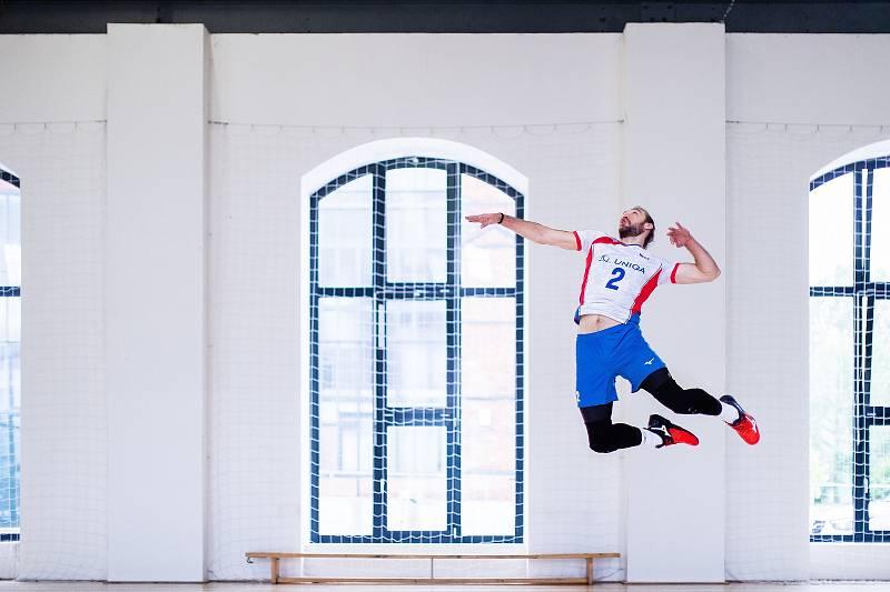 Čeští volejbalisté Jan Hadrava, Jakub Janouch, Lukáš Vašina a Patrik Indra jsou hlavními postavami propagačních videí k ME. Natáčely se na různých místech v Ostravě.