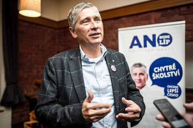 Lídr hnutí Ivo Vondrák, volební štáb ANO vOstravě.