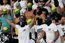 Fotbaloví chuligáni.