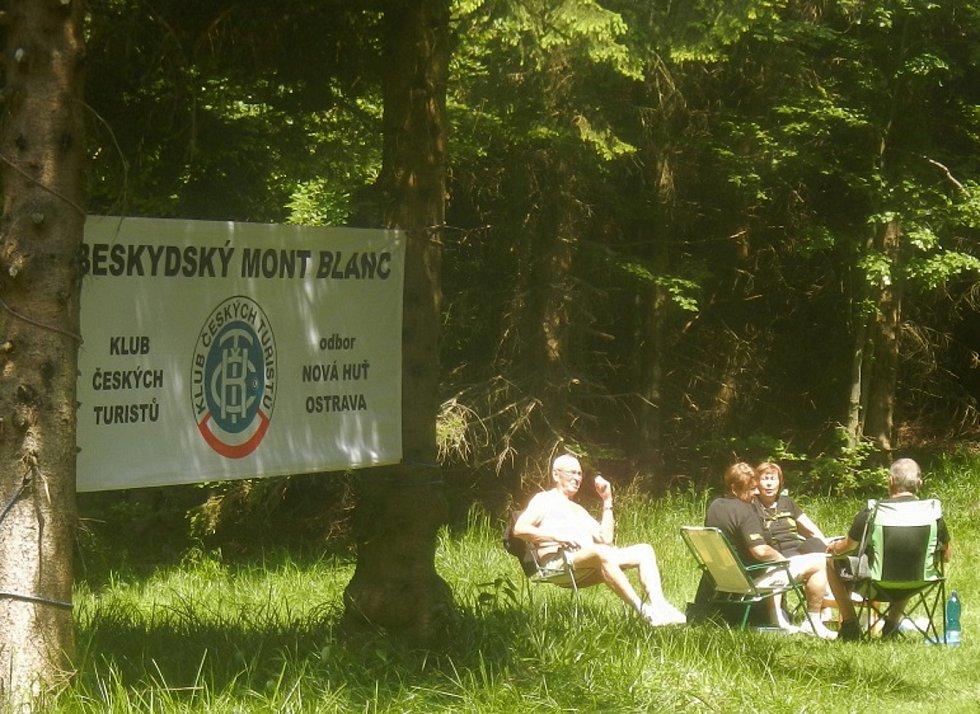Beskydský Mont Blanc je série pěti hvězdicových výstupů na pokaždé jiný zdejší vrchol, pořádá ji KČT, odbor Nová Huť Ostrava a Lysá Hora se občas v itineráři objeví taky.