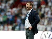TÝMU VĚŘÍ. Trenér Baníku Ostrava Radim Kučera respektuje kvality pražských Bohemians, přesto je přesvědčen, že jeho mužstvo může v Ďolíčku uspět.