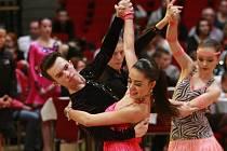 Flitry, třpytky, ladné kroky i rytmus v těle. Pátého ročníku taneční soutěže O žlutého smajlíka se zúčastnili kromě domácích také tanečníci z Polska a Slovenska.