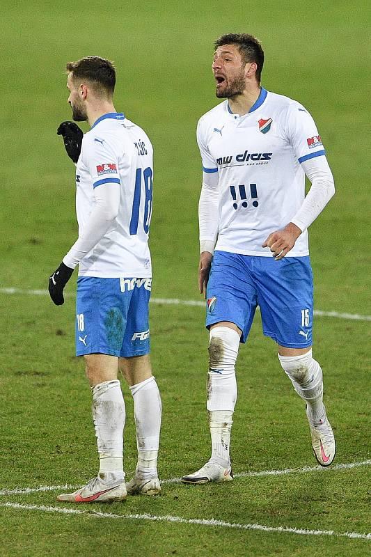 Utkání 21. kola první fotbalové ligy: FC Baník Ostrava – FK Teplice, 27 února 2021 v Ostravě. (zleva) Tomáš Zajíc z Ostravy a Patrizio Stronati z Ostravy oslavují gól.