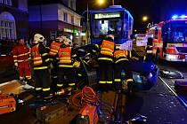 Nehoda tramvaje a osobního auta v Ostravě-Mariánských Horách.