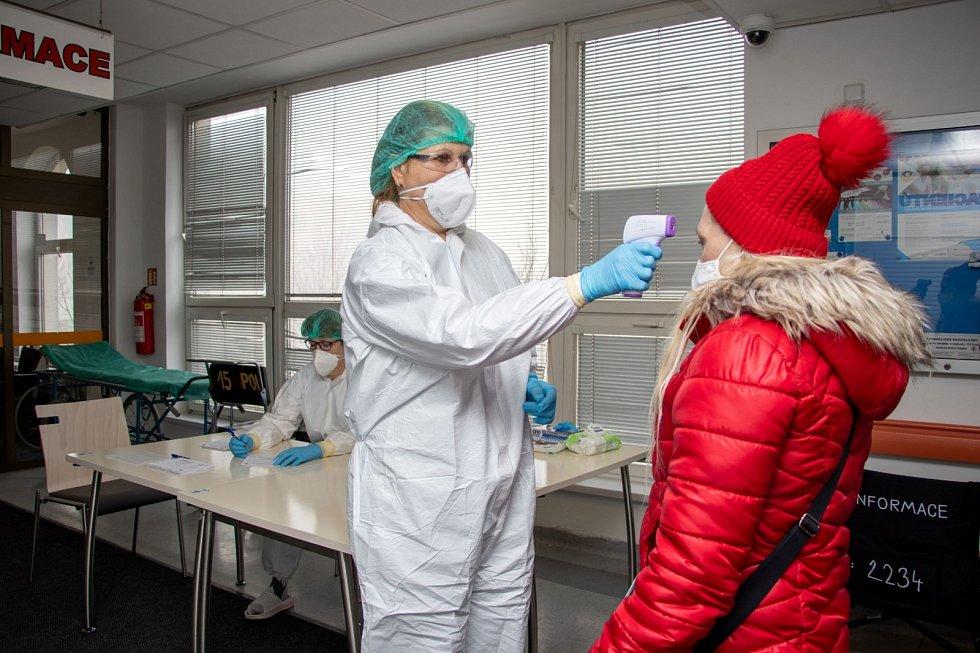 Očkování ve Fakultní nemocnici Ostrava.