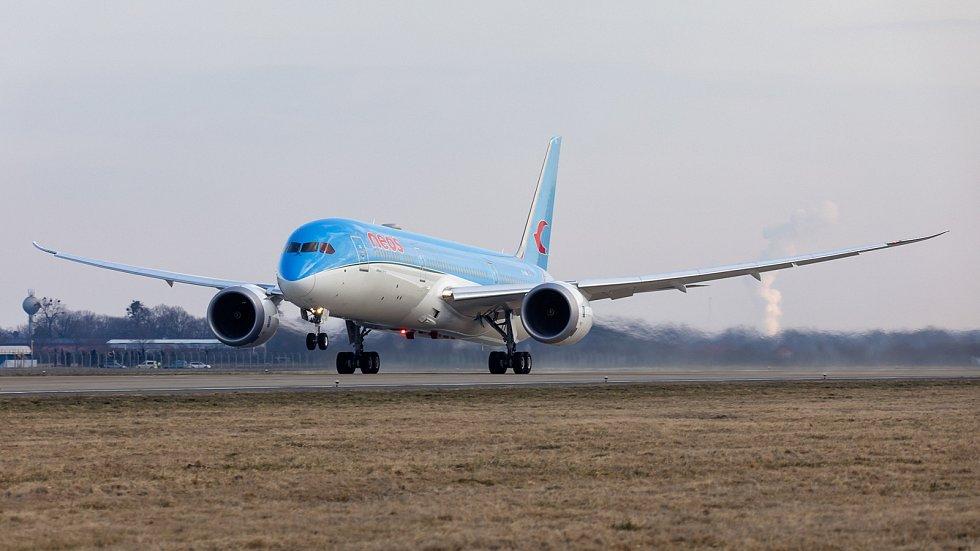 Boeing 787 Dreamliner přistál v Ostravě.