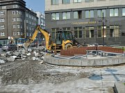 Na náměstí Dr. E. Beneše v centru Ostravy v úterý 4. dubna 2017. Rekonstrukce začala.
