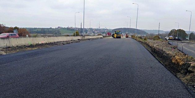 Dálnice D1 vOstravě bude od pondělí 16.listopadu plně průjezdná. Končí přibližně měsíční oprava povrchu mezi km 356,9 – 357,2.