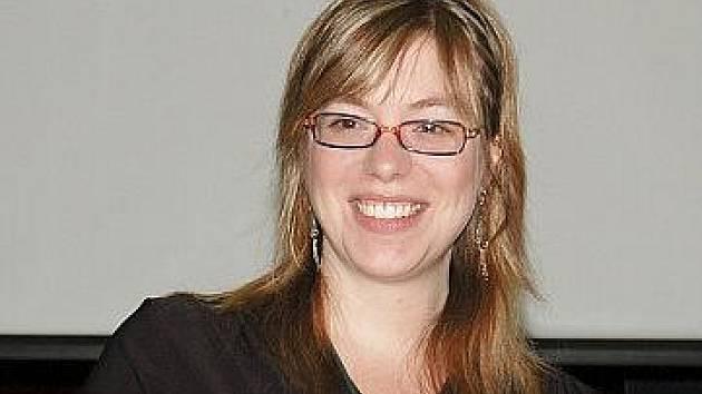 """Američanka Gitana Chunyo, učitelka anglické literatury na ISO, je ráda, že se dva z jejích studentů rozhodli studovat na její """"alma mater""""v Rhode Islandu."""