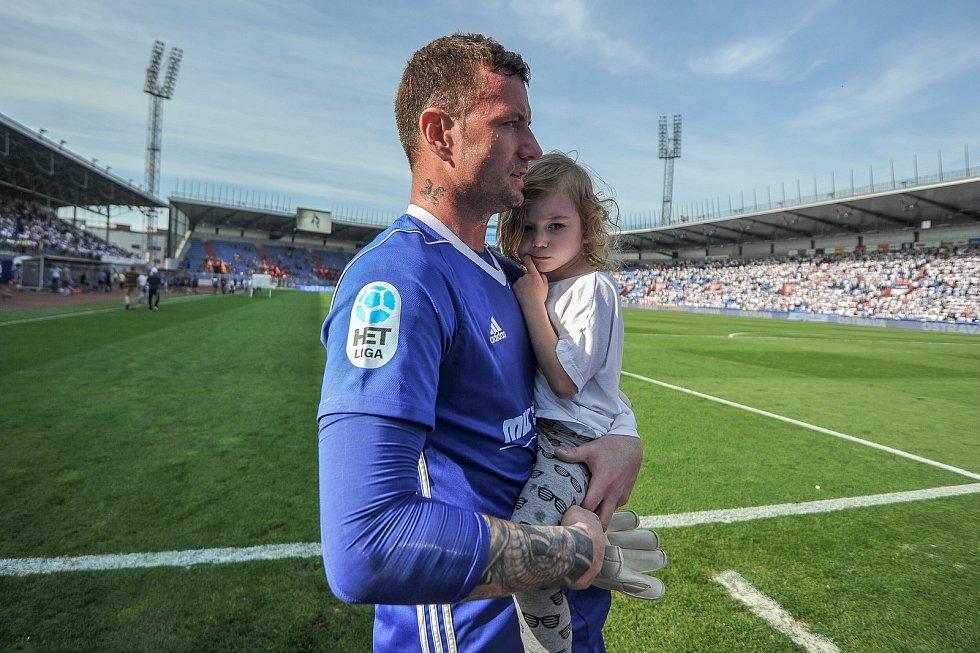 Utkání 26. kola první fotbalové ligy: Baník Ostrava - Sparta Praha, 28. dubna 2018 v Ostravě. Laštůvka Jan s dcerou.