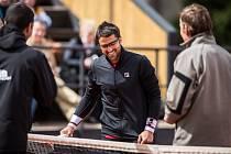 NÁVRAT S ÚSMĚVEM. Uzdravený srbský tenista Janko Tipsarevič, bývalý osmý hráč světa a vítěz Davis Cupu, si pro restart kariéry vybral ostravský challenger Prosperita Open, kde ho dnes čeká utkání 2. kola s domácím kvalifikantem Markem Michaličkou.