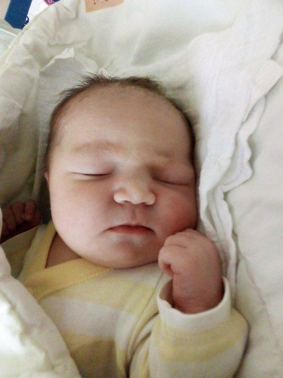 Kristýna Zdvyhalová, Bruntál, narozen 29. června 2021, míra 48 cm, váha 3560 g Foto: Pavla Hrabovská
