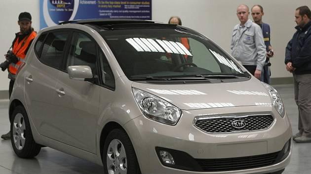 V továrně Hyundai se v těchto dnech začal vyrábět vůz sesterské automobilky Kia s označením Venga.
