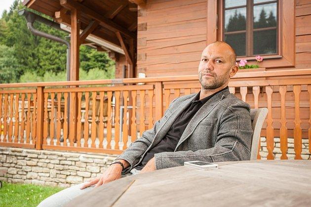 Agent Vladimír Vůjtek ze společnosti Eurohockey Services