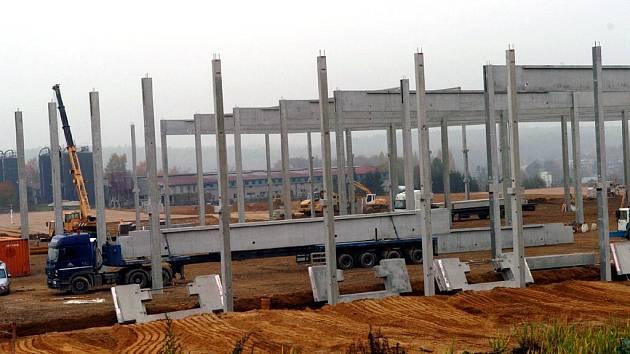 Klimovičtí občané nesouhlasí s výstavbou logistického centra