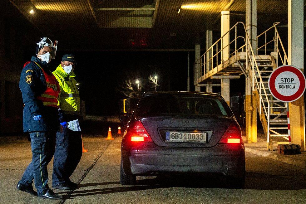 Mimořádná opatření a kontroly na hraničním přechodu Mikulov / Drasenhofen v souvislosti s koronavirem Covid-19, 13. března 2020.
