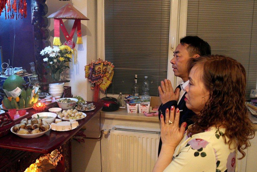 V Asii se neslaví příchod nového roku na Silvestra, ale podle lunárního kalendáře.