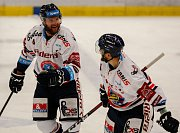 HC Vítkovice Ridera - HC Olomoucradost, gólvlevo Petr Šidlík, vpravo Radoslav Tybor