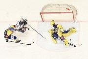 Utkání 32. kola hokejové extraligy: HC Vítkovice Ridera - PSG Berani Zlín, 4. ledna 2019 v Ostravě. Na snímku (zleva) Popelka Michal, Jan Schleiss a Štůrala Tomáš.