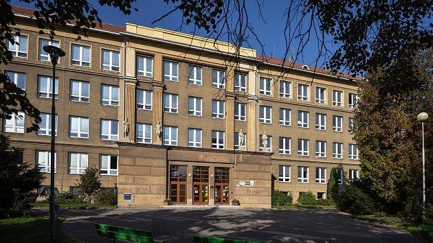 Základní škola Porubksá 12 v Ostravě.