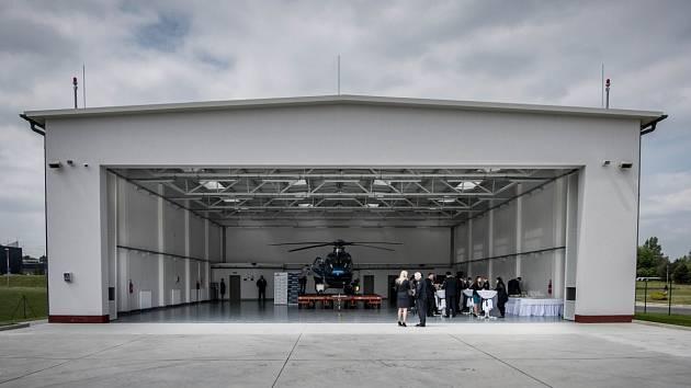 Hangár je určen pro vrtulník EC 135. V budoucnu by měl v Ostravě stát další hangár pro větší vrtulník Bell 412.