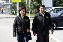 Asistenty prevence kriminality Andreu Gajdůškovou a Pavla Mišarika jste včera mohli potkat ve Vítkovicích.
