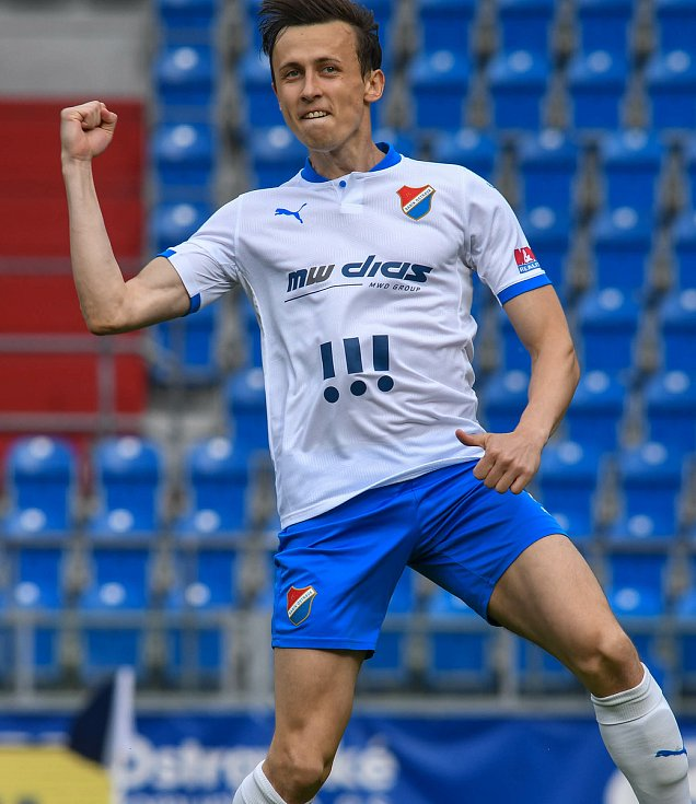 Fotbalisté Baníku Ostrava bojovali 15. května 2021 v utkání 32. ligového kola se Zlínem. Domácí Daniel Tetour slaví gól na 1:0.