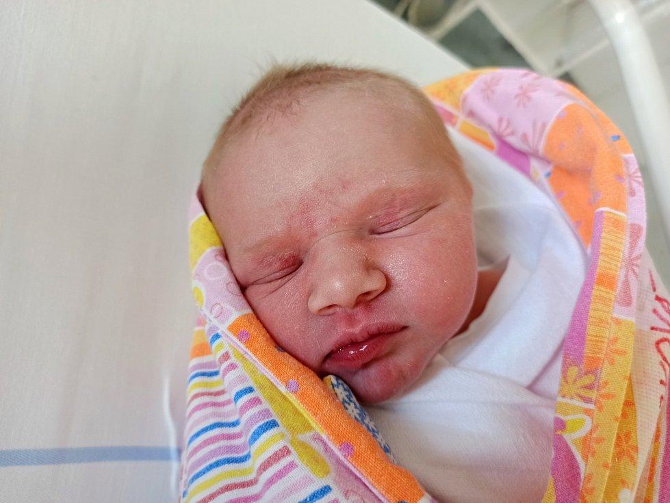 Adéla Kubiczková, Třinec – Karpentná, narozena 7. června 2021, míra 50 cm, váha 3480 g.
