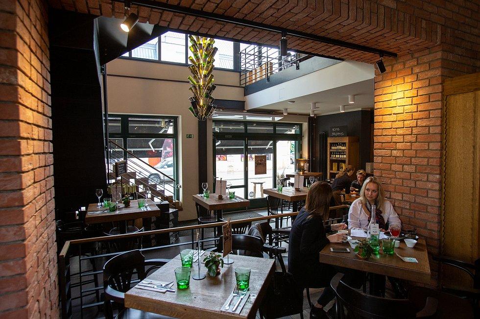 Bernies Grill & Wine Restaurant.