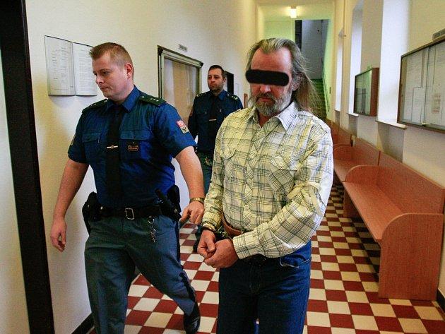Muž za útok na svého známého stráví ve vězení deset let.