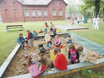 Oblíbená mateřská školka bude ještě minimálně rok sloužit dětem i jejich rodičům.